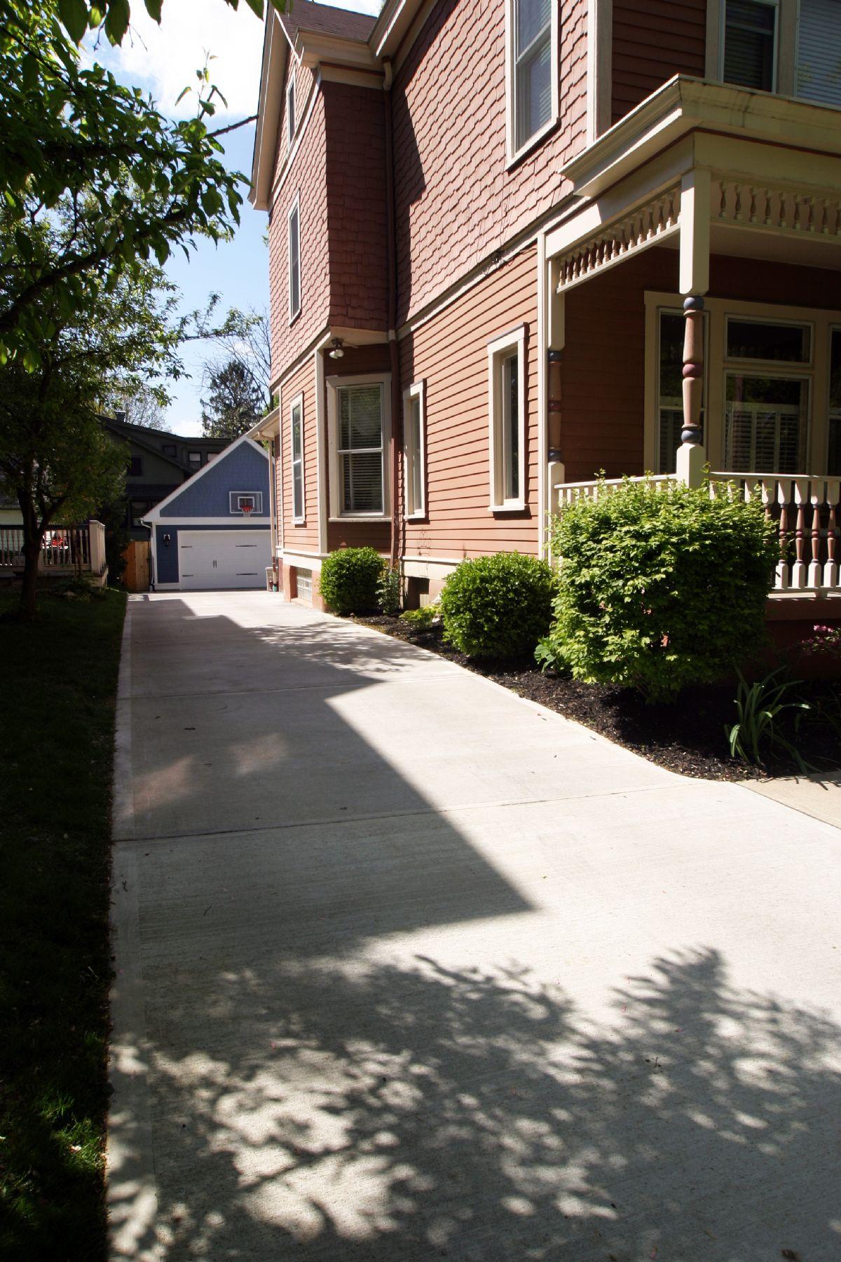 [103]CompletedGarage-Driveway(3).jpg